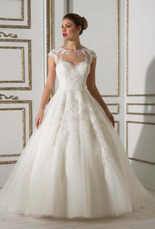 04362d408b Hermoso vestido en corte princesa. strapless corazón ilusión
